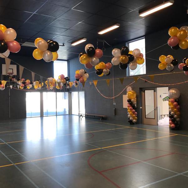 Ballonnen decoratie voor schoolfeesten